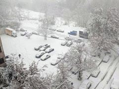 Heavy Snow Amid Morning Rush Hour Halts Traffic, Shuts Schools In Tehran