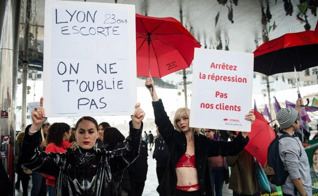 Femicide: Huge rallies across France to condemn domestic violence