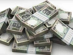 Rupee Declines By 27 Paise To End At 71.62 Against Dollar