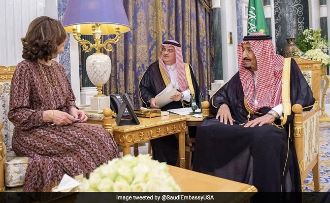 Saudi King Hosts CIA Chief After Spying On Twitter Users Charges