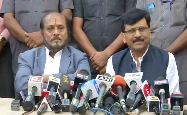 महाराष्ट्र: राज्यपाल से मिले शिवसेना नेता संजय राउत, कहा - जिसके पास बहुमत उसे ही मिले सरकार बनाने का मौका
