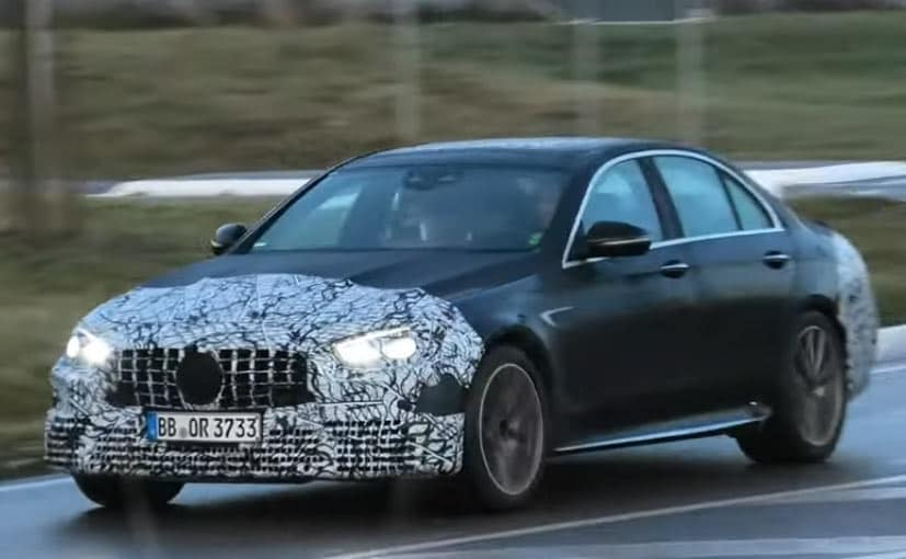 The 2021 Mercedes-AMG E63 gets the Panamericana grille upfront.