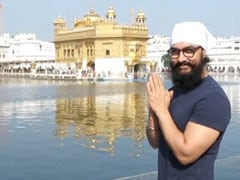 Aamir Khan Visits Golden Temple Before Filming <i>Laal Singh Chaddha</i>. See Viral Pics