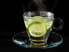 Lemon Water Side Effects: नींबू पानी वजन घटाने में है मददगार, साइडइफेक्ट जानकर भी रह जाएंगे हैरान