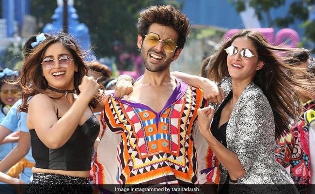 Pati Patni Aur Woh Box Office Collection Day 2: Kartik Aaryan, Bhumi Pednekar And Ananya Panday's Film 'Hits Bull's Eye'
