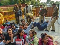 Students Protest Outside Smriti Irani's Delhi Residence, Seek Death For Rapists