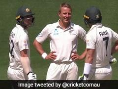 Aus Vs Eng: अंपायर ने दिया नॉट आउट तो DRS लेकर गेंदबाज ने Tim Paine से कहा कुछ ऐसा, देखें Video