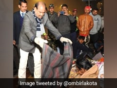 Lok Sabha Speaker Om Birla Distributes Blankets To Homeless Outside AIIMS