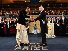 Abhijit Banerjee 3rd Bengali To Win Nobel, Only One To Wear A <i>Dhoti</i>