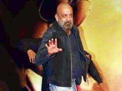 Sanjay Dutt Accepts Salman Khan, Sonakshi Sinha's Invitation To <I>Dabangg 3</i> Screening. Iulia Vantur Was Also There