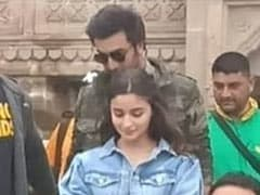 Alia And Ranbir Take A Dance Break In Their Search For 'Brahmastra'