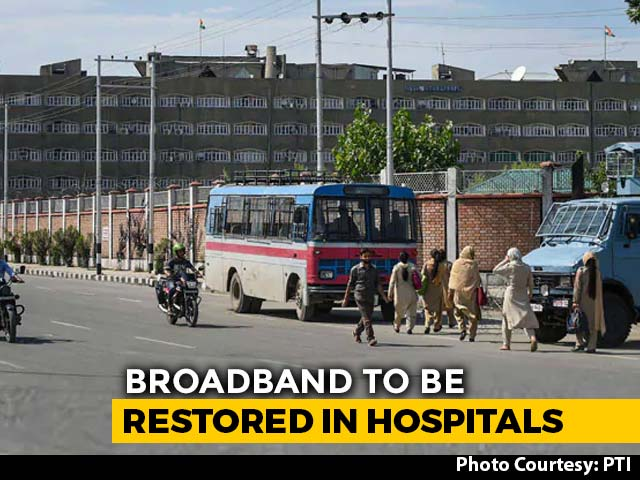 Video : SMS Service In Kashmir, Shut For 5 Months, To Be Restored On New Year Day