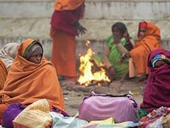 दिल्ली में नए साल के पहले दिन ठंड से ठिठुरे लोग, आज आएगा बदलाव; ऐसा रहेगा मौसम