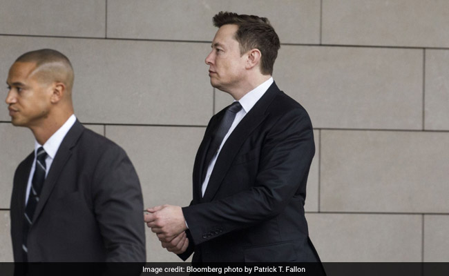 Elon Musk Tells Jury He's Worth $20 Billion But Is Short On Cash