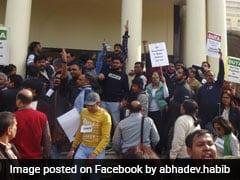Delhi University Teachers Organise 'VC Gherao' To Protest Against Recruitment Circular