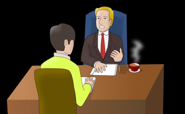 ओवरटाइम से परेशान शख्स नई कंपनी में देने गया इंटरव्यू, अचानक हुआ बेहोश और फिर...