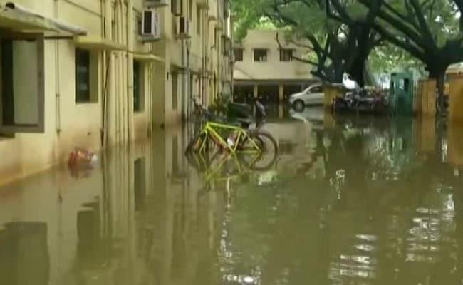 तमिलनाडु में भारी बारिश, दीवार गिरने से 15 लोगों की मौत, चेन्नई सहित कई शहरों में स्कूलें बंद