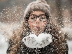 सर्दियों में अपने स्किनकेयर रूटीन में भूल कर भी ना करें ये गलतियां