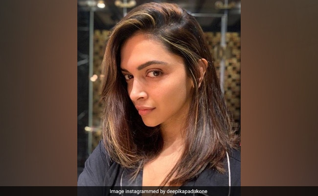 Deepika Padukone Gets A New Look, Ranveer Singh's Reaction Is So Cheesy