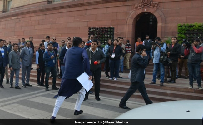 Minister Piyush Goyal Seen Running To Parliament, Wins Praise On Twitter