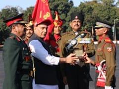 रक्षा मंत्री ने सशस्त्र बलों को चेताया, कहा- आतंकवाद की सरकारी नीति पर चलता है पाकिस्तान