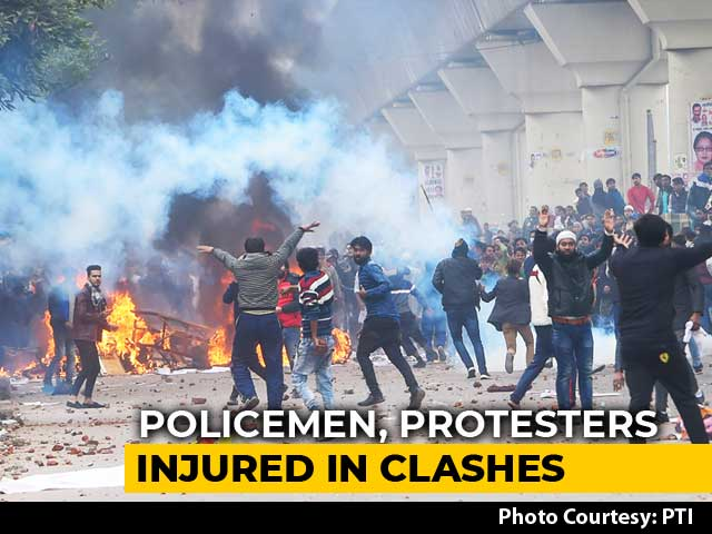 Video : Violence In Delhi Over Citizenship Act, Stones Thrown, Tear Gas