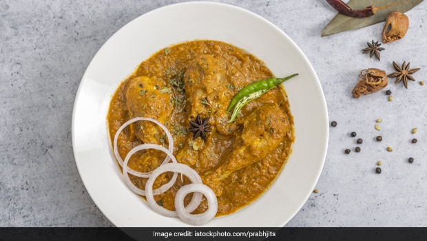 High-Protein Diet: Try These Indian Chicken Curries Cooked Without Oil (Recipes Inside)