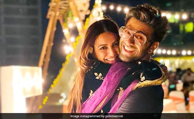 Rumoured Couple Pulkit Samrat And Kriti Kharbanda, Twinning In Black, Strike A Pose At Friend's Wedding