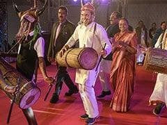 மேள தாளம் வாசித்து பழங்குடியின மக்களுடன் ஆட்டம்போட்ட ராகுல் காந்தி!! #Video