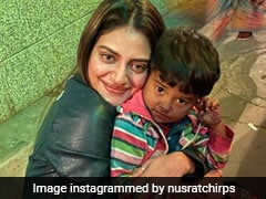Nusrat Jahan Shares Pics With Boy Selling Balloons, Wins Hearts Online
