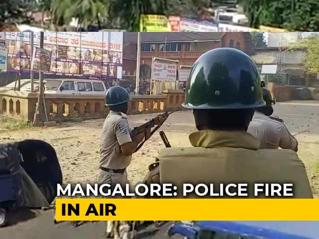 Video : In Video, Police Seen Opening Fire In Air During Protests In Mangaluru