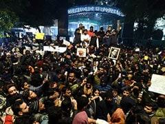 Delhi University Students Protest Against Crackdown In Jamia, Aligarh