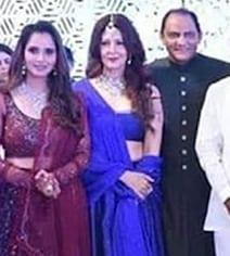 Viral: Sangeeta Bijlani's Pic With Azharuddin At Anam Mirza's Reception