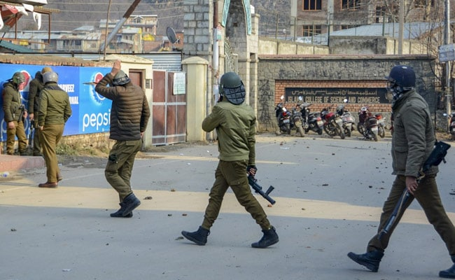 Cops Beat Up Journalists During Students' Protest In Srinagar Against Citizenship Act
