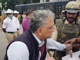 Video : Watch: Historian Ramachandra Guha, Mid-Interview, Detained By Cops