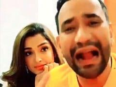 Bhojpuri Cinema: iPhone की खातिर निरहुआ की किडनी बेचने को तैयार हो गईं आम्रपाली दुबे, एक्टर का हुआ बुरा हाल- देखें Video