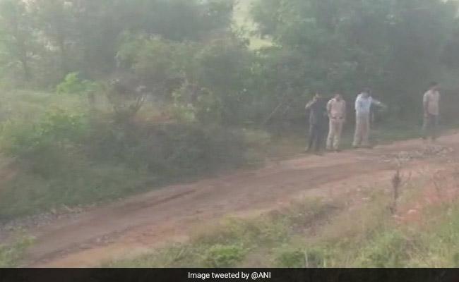 Telangana Encounter Updates: तेलंगाना एनकाउंटर : हाईकोर्ट लिया मामले का संज्ञान, रात 8 बजे हुई विशेष सुनवाई