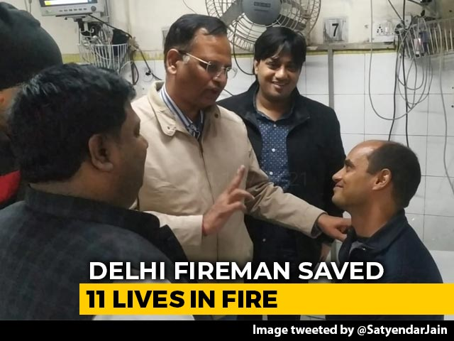 "Video : ""Real Hero"": Minister Showers Praise On Delhi Fireman Who Saved 11 People"