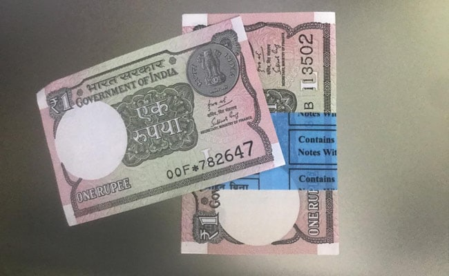 Rupee Rises 7 Paise To Close At 72.68 Against US Dollar