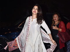 Step Out In A Pretty Ethnic Suit Like Janhvi Kapoor And Stay On Point