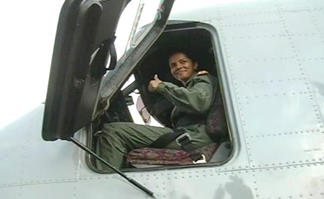 First Woman Pilot Of Navy