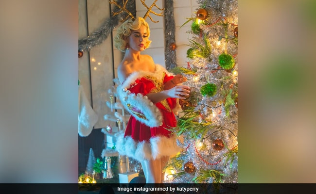 Trending: Katy Perry Is Bringing Christmas To Instagram, One Post At A Time