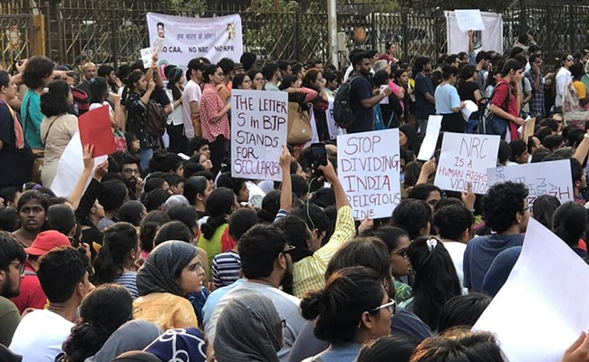 Hundreds Protest Against Citizenship Act, Citizens' List In Mumbai's August Kranti Maidan