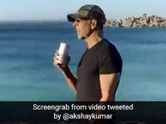 समुद्र किनारे 'दीवानों' की तरह गाना गाते नजर आए अक्षय कुमार, Video हुआ वायरल