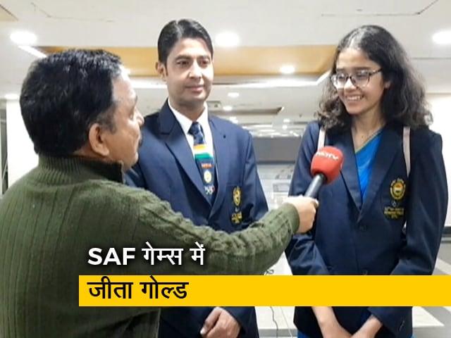 Videos : 15 साल की अनुष्का ने सिर्फ गोल्ड ही नहीं जीता बल्कि दिल भी, बता रहे हैं विमल मोहन