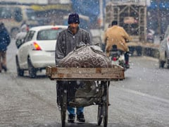 Snowfall In Parts Of Kashmir, Minimum Temperature Goes Up: Weather Office