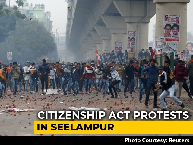 Video : Violent Clashes In East Delhi's Seelampur Over Citizenship Act