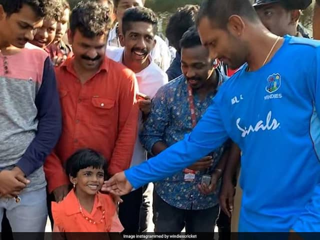 "India vs West Indies: Denesh Ramdin Presented ""Cute 4-Year Fan"" With Free Tickets, Won Hearts On Internet"
