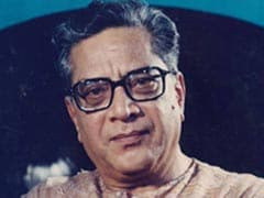 Veteran Actor Shriram Lagoo Cremated With State Honours. Urmila Matondkar, Nana Patekar And Others Attend Funeral