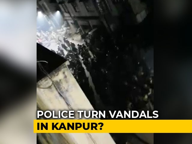 Video : Video Shows Cops Vandalising Shops, Vehicles In UP's Kanpur Amid Protests